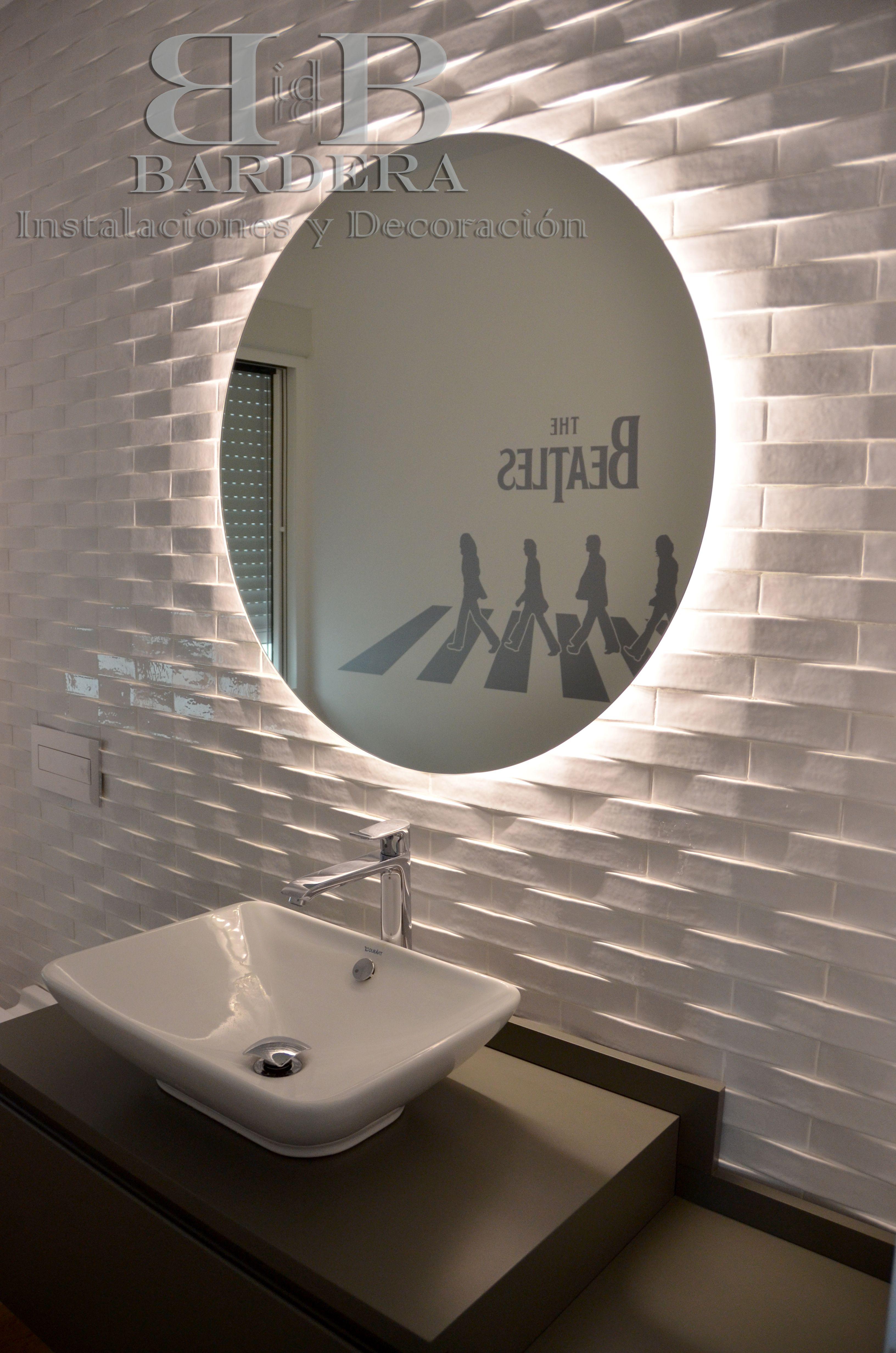 Pin By Bardera Instalaciones Y Deco On Banos Round Mirror Bathroom Bathroom Mirror Lighted Bathroom Mirror [ 4928 x 3264 Pixel ]