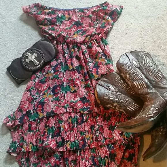 Cute Summer Dress Flowing Hi/Low Dress w/Flowers...Great for a fun summer night!! Dresses