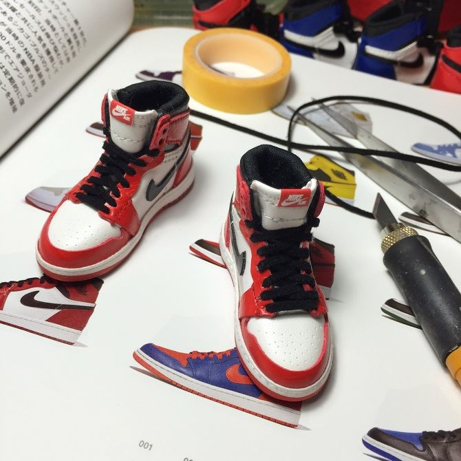 Miniatures Sneakers By Kiddo | Doll shoes, Handmade shoes, Diy ...