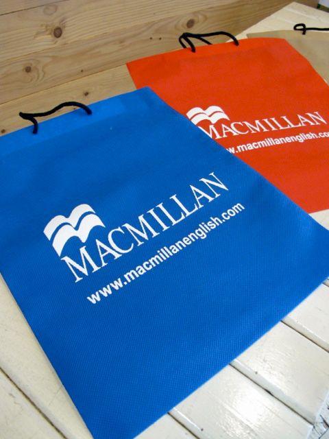 สกรีนถุงผ้า MacMillan 1 สี I want one of these