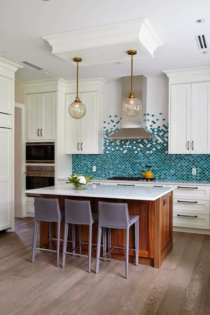 A turquoise backsplash always my heart sing! The gorgeous fish scale tile  was the