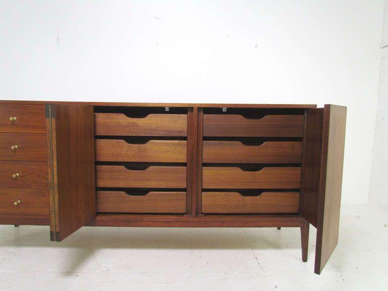 Long Low Twelve Drawer Walnut Dresser Or Credenza By Paul Mccobb Walnut Dresser Long Dresser Credenza Styling