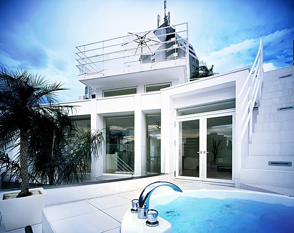 パームツリーが内外を繋ぐ白い家 建築実例 高級注文住宅 アーネスト