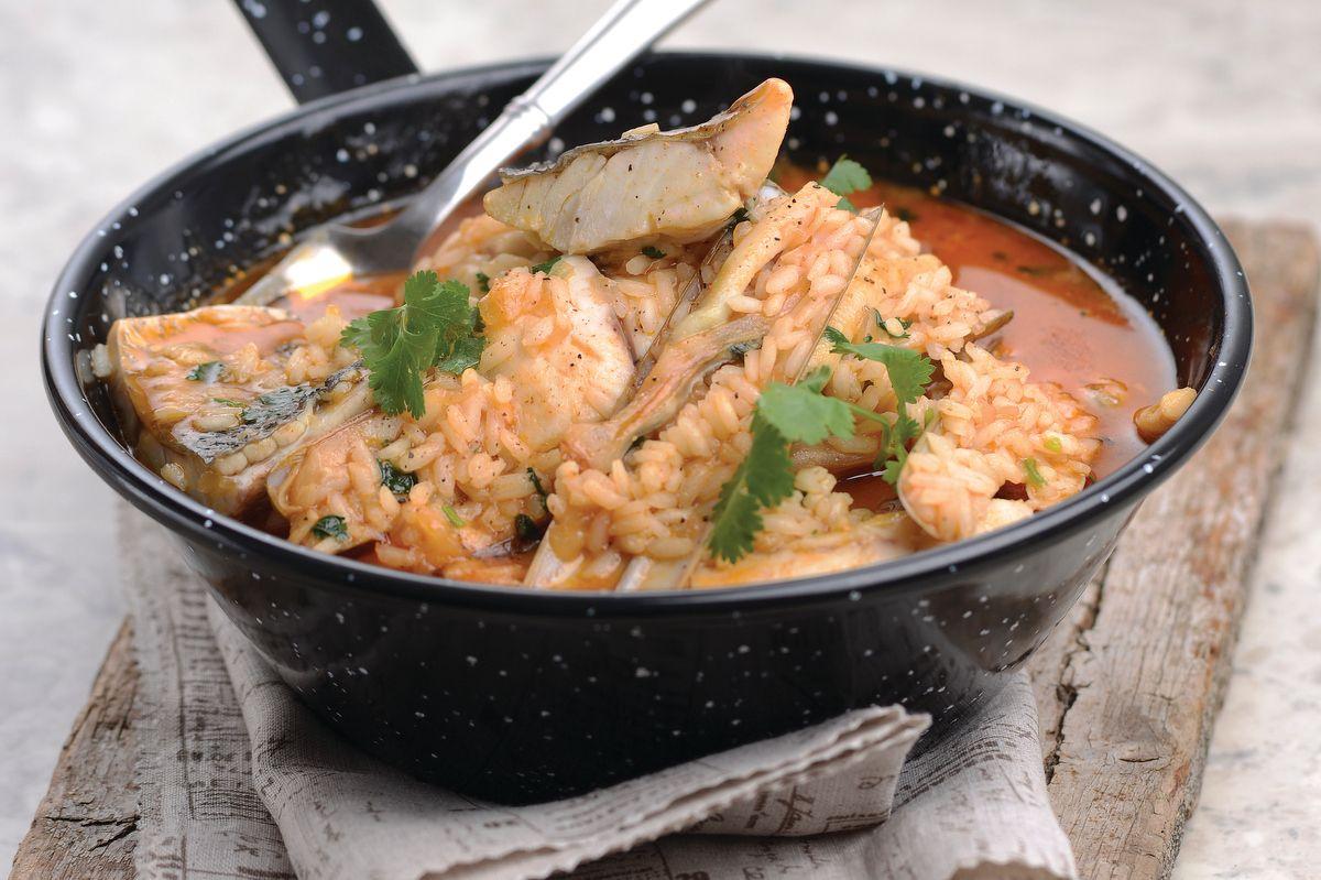 Arroz de lingueirão e corvina, uma refeição deliciosa.