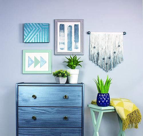 metallic pewter dresser accessorize a bedroom with a metallic dresser decoartprojects. Black Bedroom Furniture Sets. Home Design Ideas