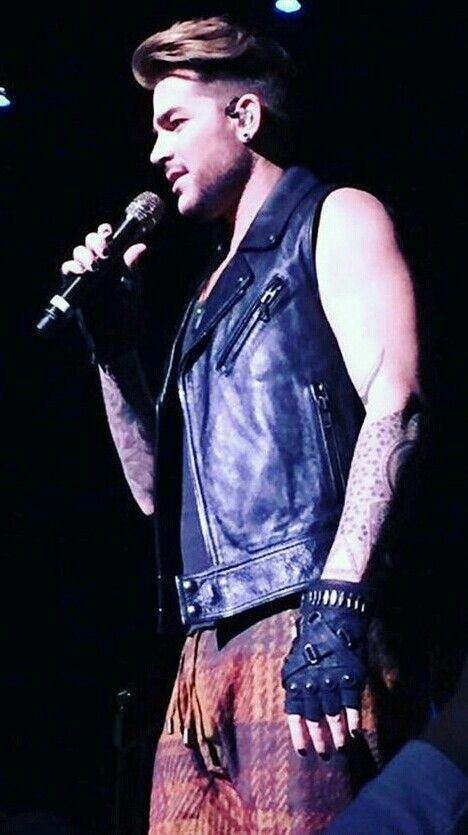 Adam in PA..His performance was AMAZING and although I'm not quite a fan of the pants..  they were quite..um.. .distracting!! *wink* ;)