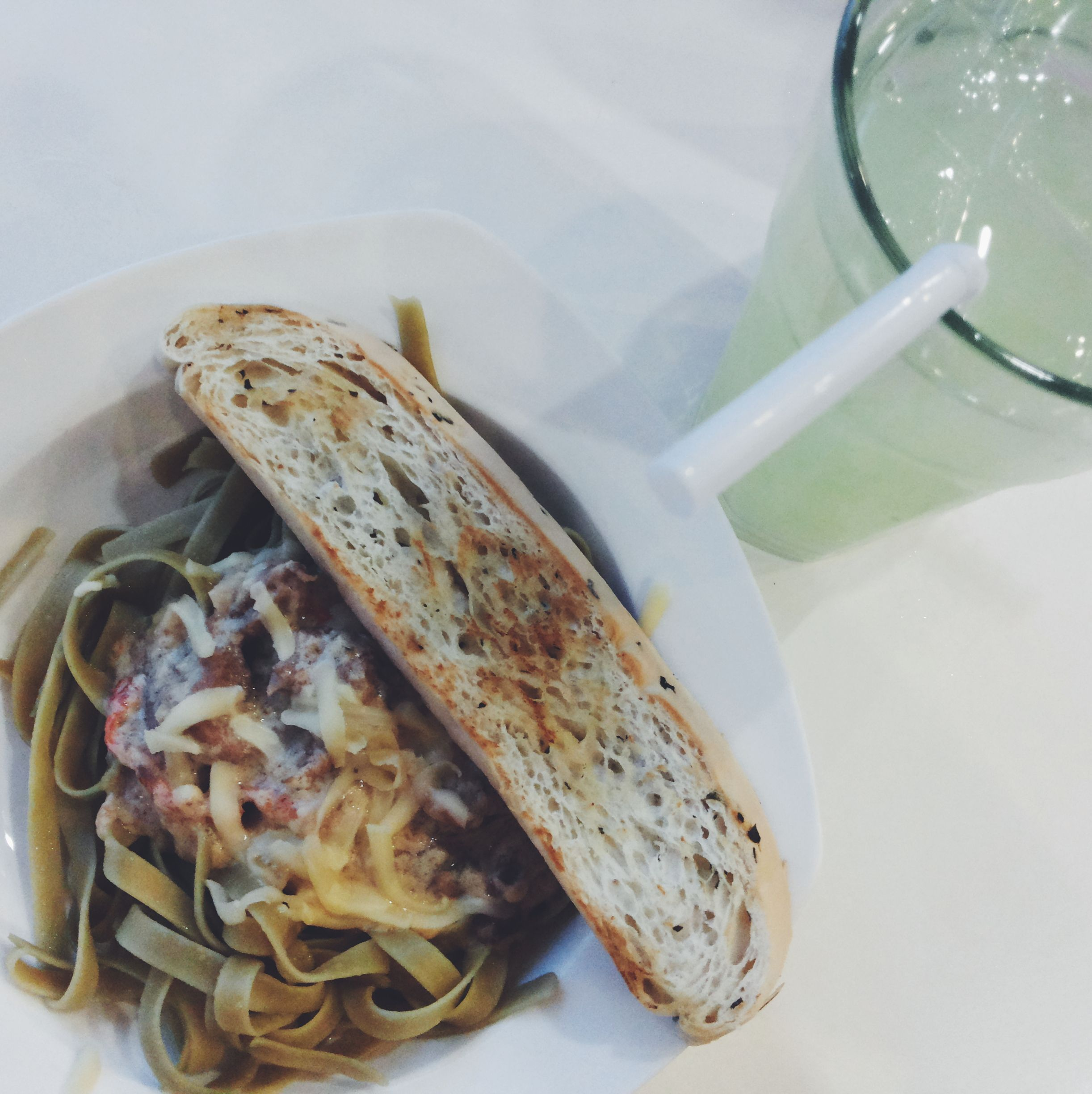 Fettuccine with sliced toasted bread and green lemonade. Eat out with Ate Mic before 2015's Valentines.