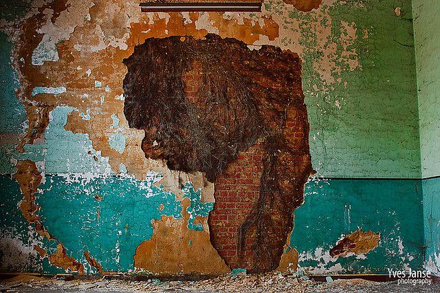 decayed walls