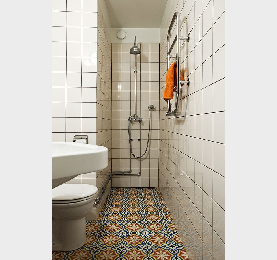 Which Direction To Lay Tile In Bathroom: What A Way To Maximize Design In A Small Bathroom