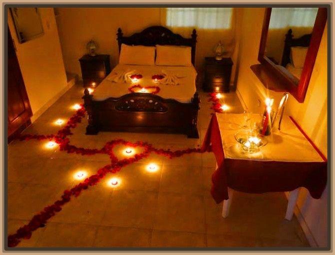 Imagenes de camas decoradas con petalos de rosas - Como preparar una noche romantica ...