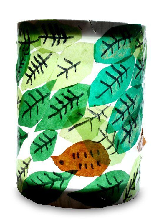 Igel im Blätterhaufen: Igel im Blätterhaufen von Lara (8) - Collage - Kikunst, Kinderbilder im Kunstunterricht | Labbé Verlag