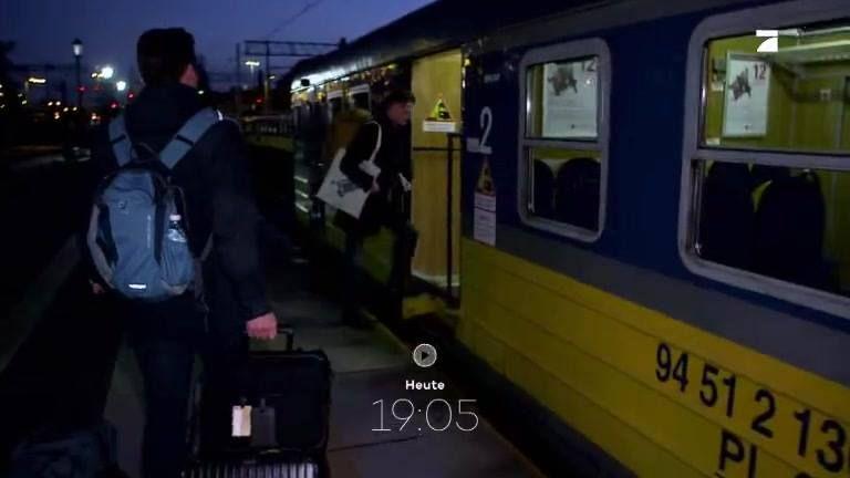Dieser britische Student jettet jede Woche 1300 Kilometer zur Vorlesung. Jonathon Davey lebt im polnischen Danzig, studiert aber in London. Wir haben den Extrem-Pendler auf seiner wöchentlichen Tour begleitet. Heute, um 19:05 auf Galileo.