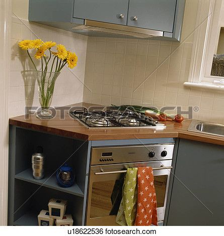 Hob And Oven In Ed Corner Unit