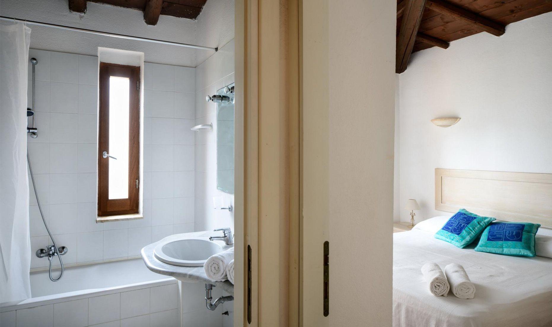 Pin By Bfuns On Wohnzimmer Einrichtung Bathtub Bathroom