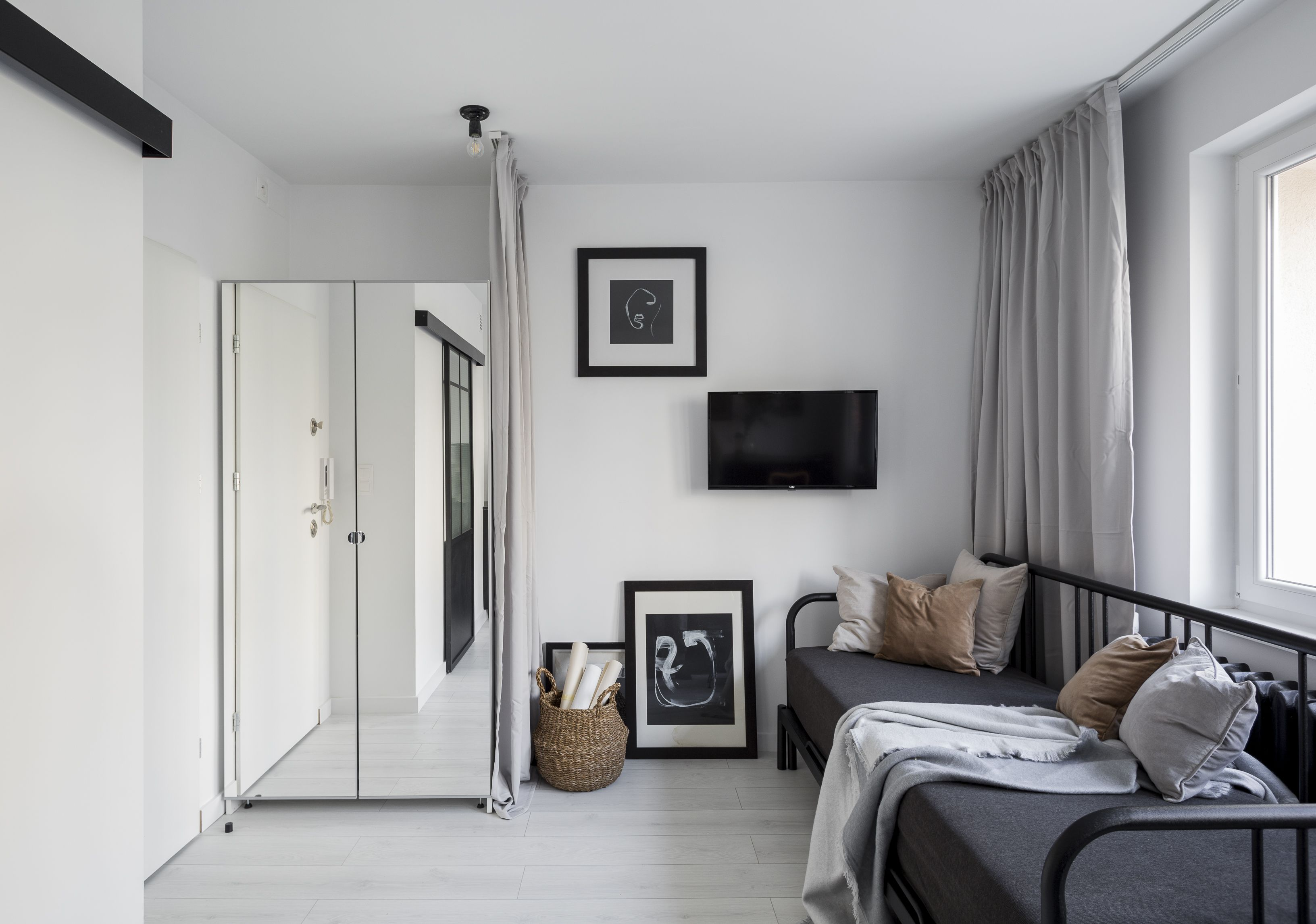 Małe przestrzenie kawalerka o pow. 17,3 m² w Warszawie