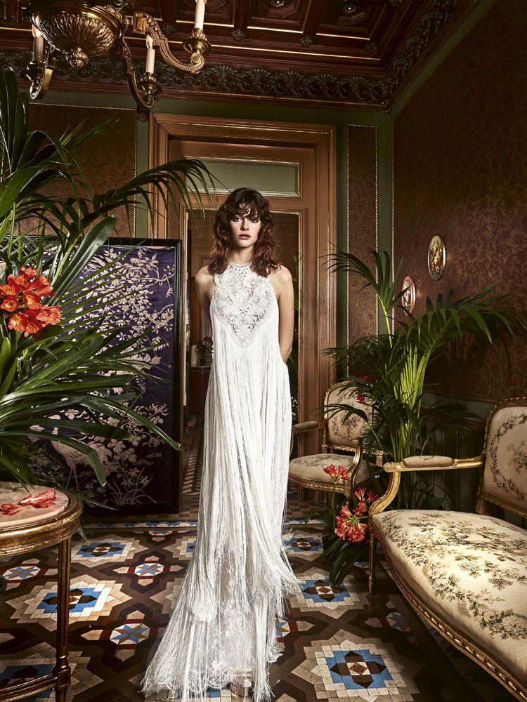 Wedding dress fringes Boho chic wedding dress, Boho chic
