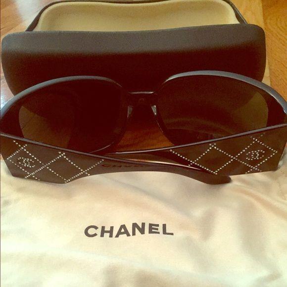 943c526dc039e Chanel 5080-B Black Quilted Swarovski Sunglasses Authentic Chanel 5080-B  Quilted Swarovski Sunglasses