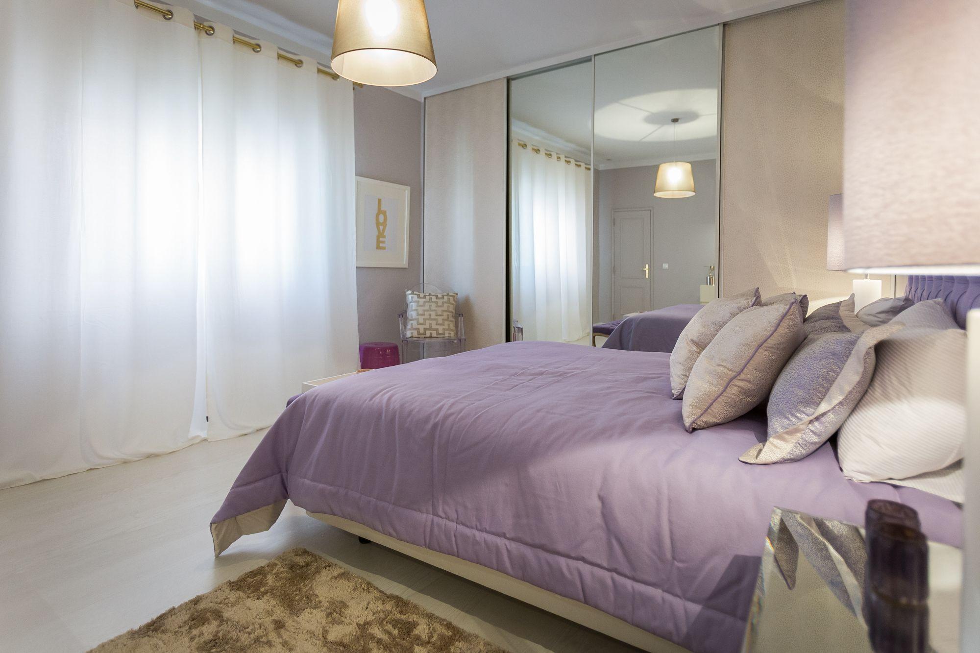 Mirror nightstands contemporary bedroom kimberley seldon design - Ana Antunes Quarto Bedroom Cama De Casal Double Bed Cushions