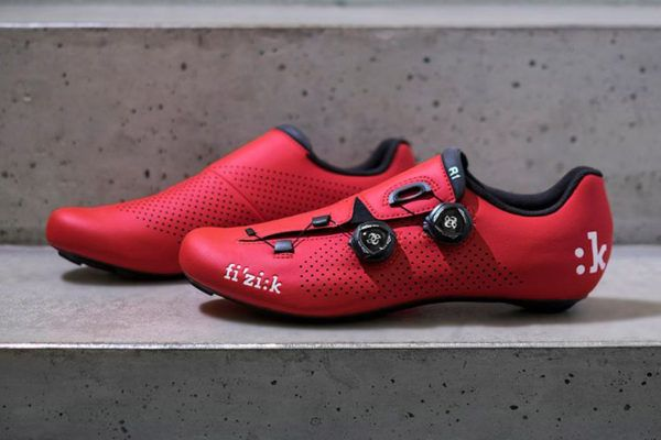 lightweight cycling shoes