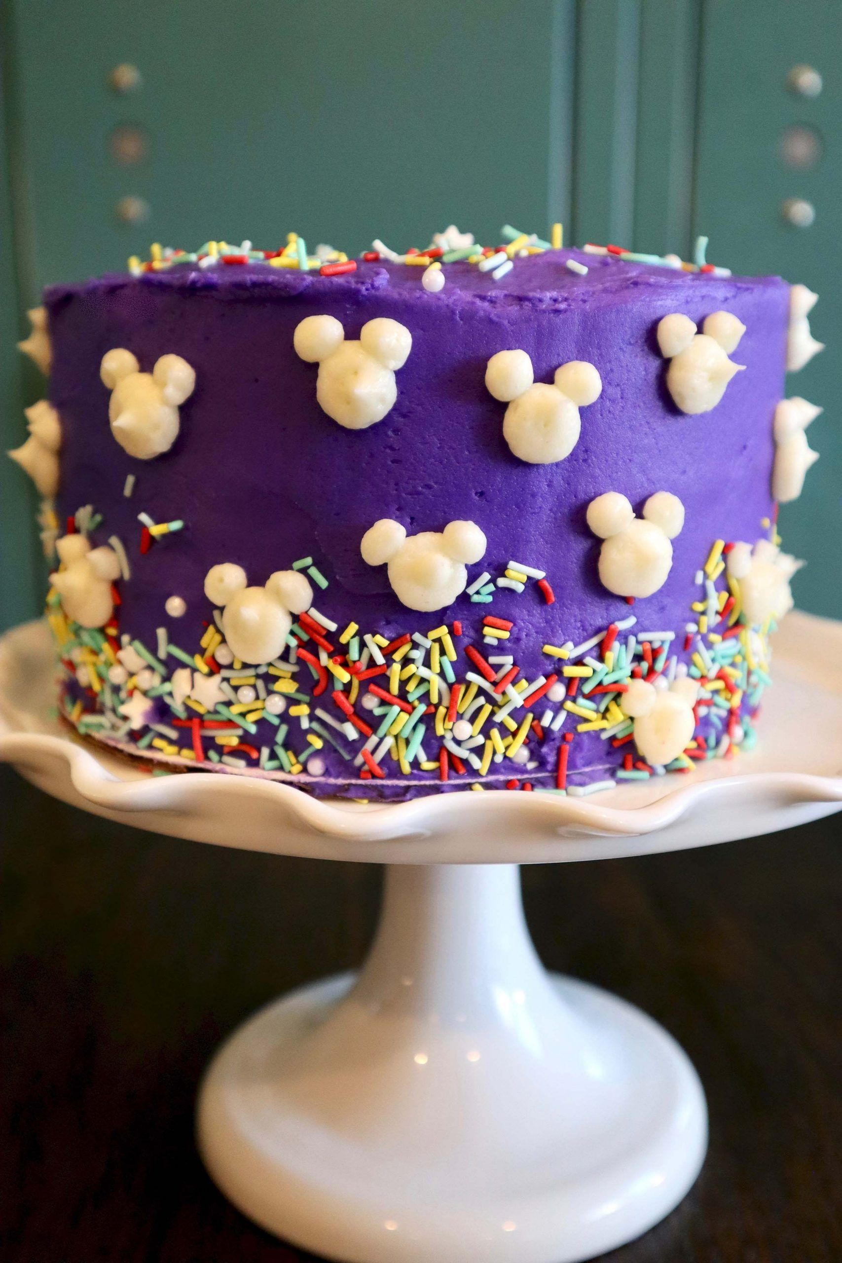 Oh Boy Easy Mickey Mouse Cake In 2020 With Images Mickey