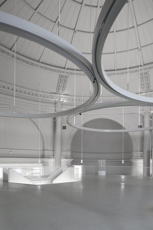 VICTORIA & ALBERT MUSEUM, GALLERY 40 by 6a Architects.