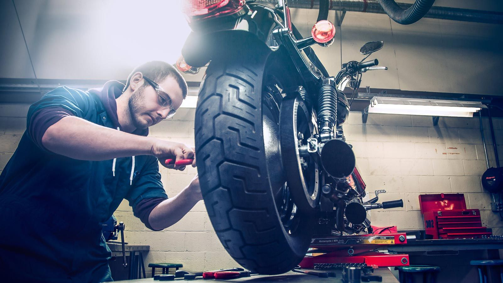 Finding The Right Motorcycle Mechanics Near Me Motorcycle