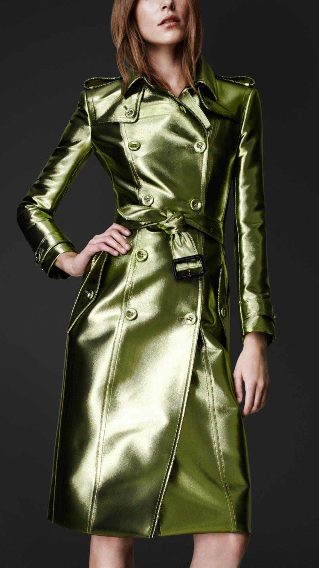 Trench coat de color intenso metalizado | Burberry