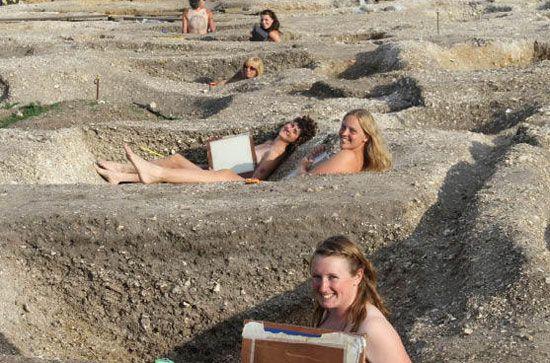 Naked archeology