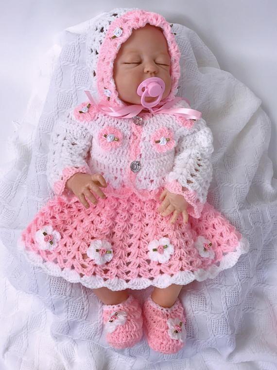 Vestido rosa bebé niña, vestido rosa bebé, rosa bebé chica traje, crochet bebé vestido, traje de bebé que viene a casa, traje de bebé de ganchillo, vestido de recién nacido