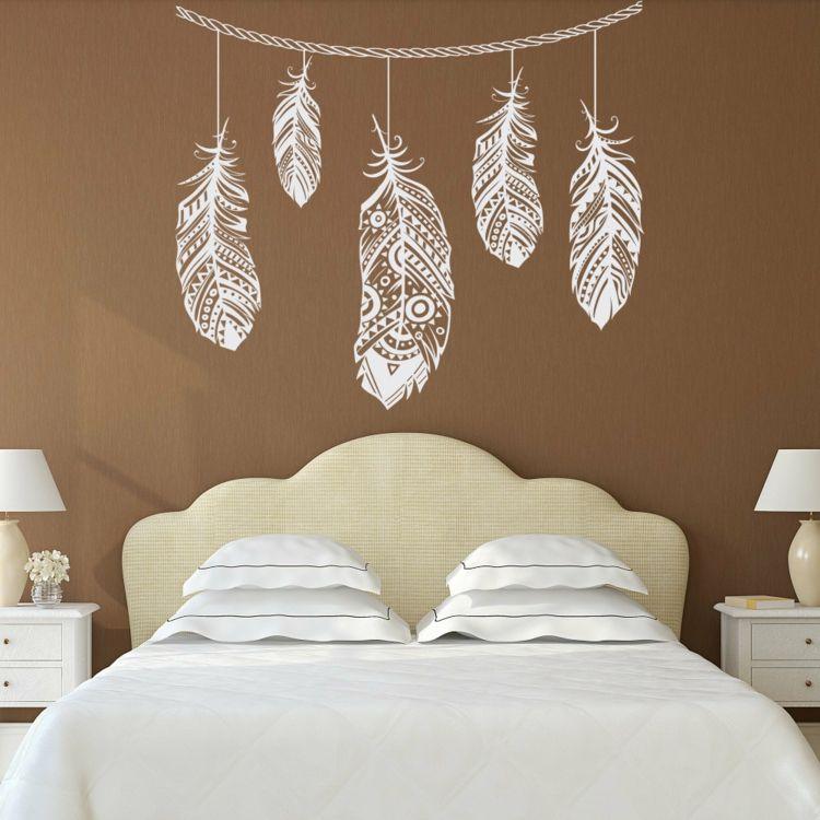 Das Wandtattoo Im Schlafzimmer Beliebte Motive Und Ihre Bedeutungen Wandtattoovintage Wand Wandtattoo Schlafzimmer Zimmer Gestalten Boho Schlafzimmer Dekor