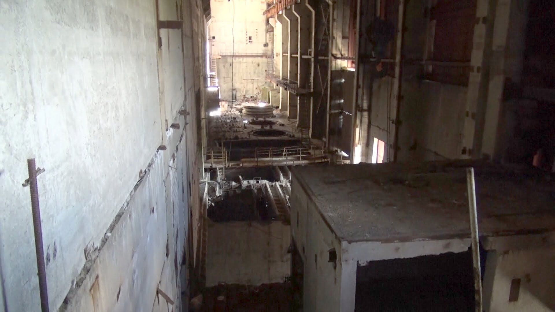 chernobyl 2013: inside the reactors 5+6, part 1: pitfalls and darkness