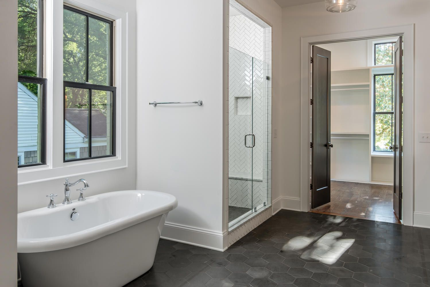 Layout Closet Door At End Of Bath No Entry Shower Across From Dressing Table Platform Tub House Bathroom House Home Remodeling