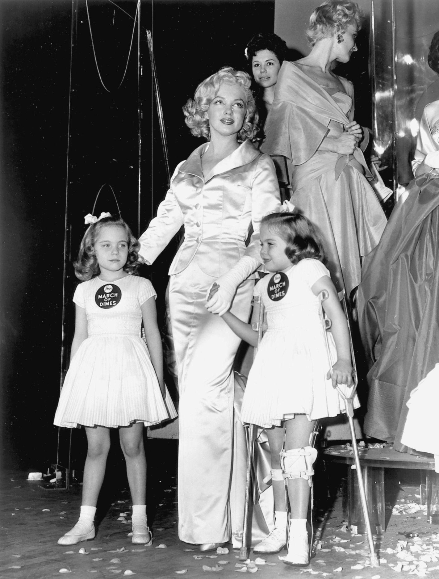 Marilyn Monroe Y Elvis Presley 75 A±os En Campa±a Por La Vida De