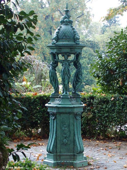 Fontaine Wallace à Nantes (France). | Lavoirs, pressoirs, fontaines ...
