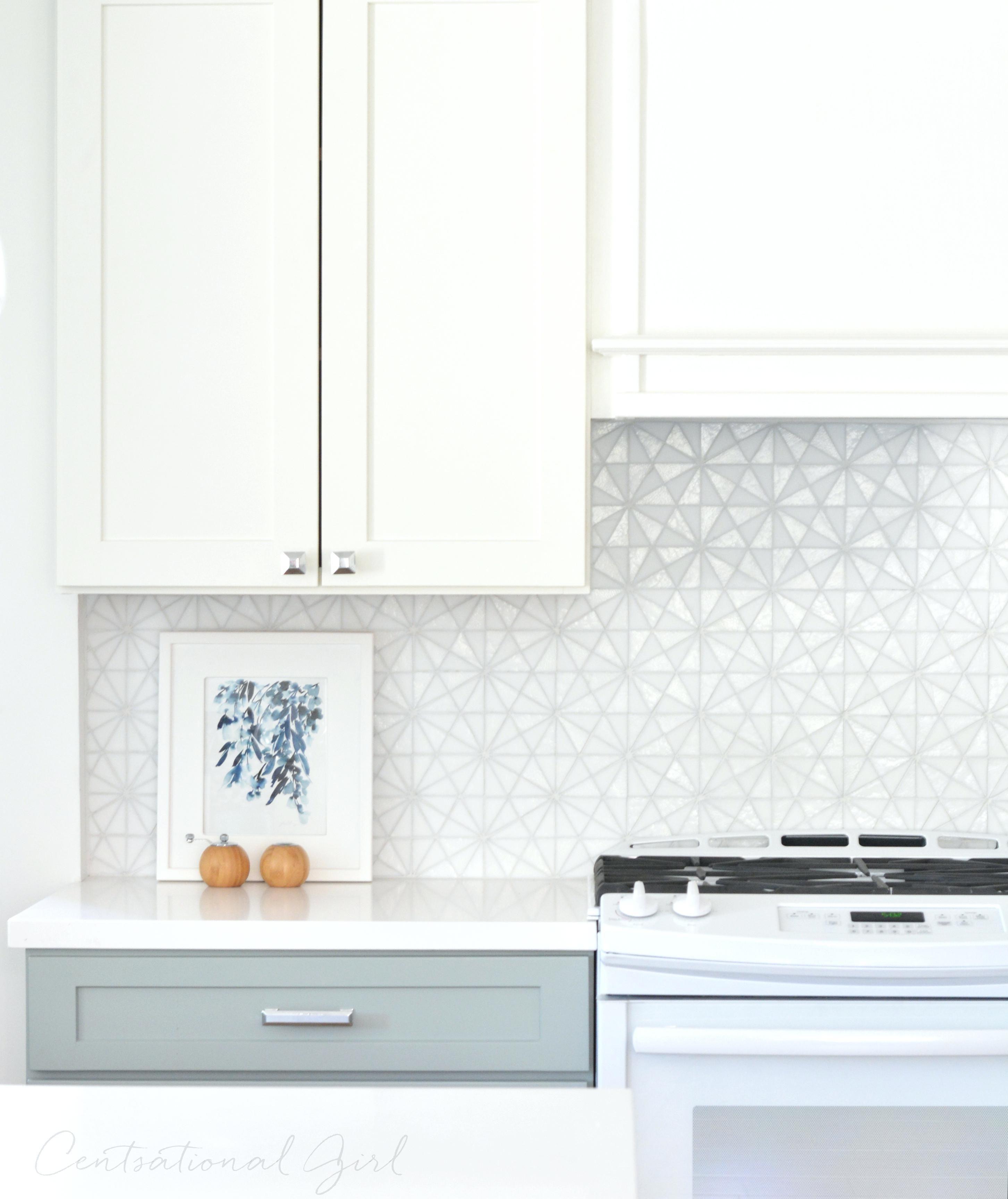 Beste Misty Sea Gl Backsplash Tile White Upper Kitchen Cabinets Gray Lower Tiles