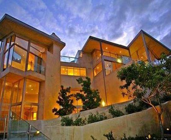 Val kilmer 39 s new mexico ranch 18 500 000 killer holmez for New mexico home builders