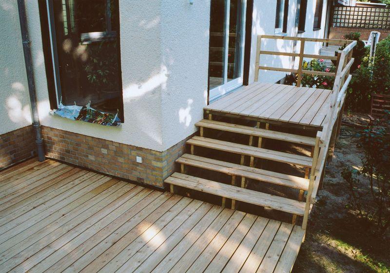 treppe zur terasse aplinka pinterest treppe. Black Bedroom Furniture Sets. Home Design Ideas