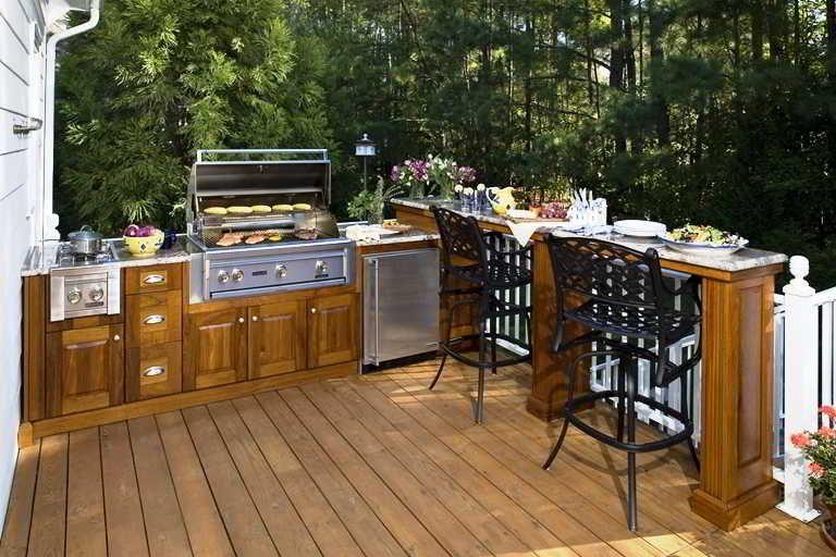 Desain Dapur Terbuka Dibelakang Rumah Sederhana