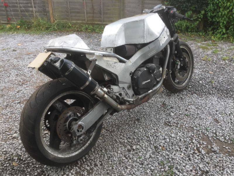 Project Cafe Racer Street Fighter Kawasaki Zzr1100 Chassis Gpz1000rx Motormay Look Like A Easy Conversion But