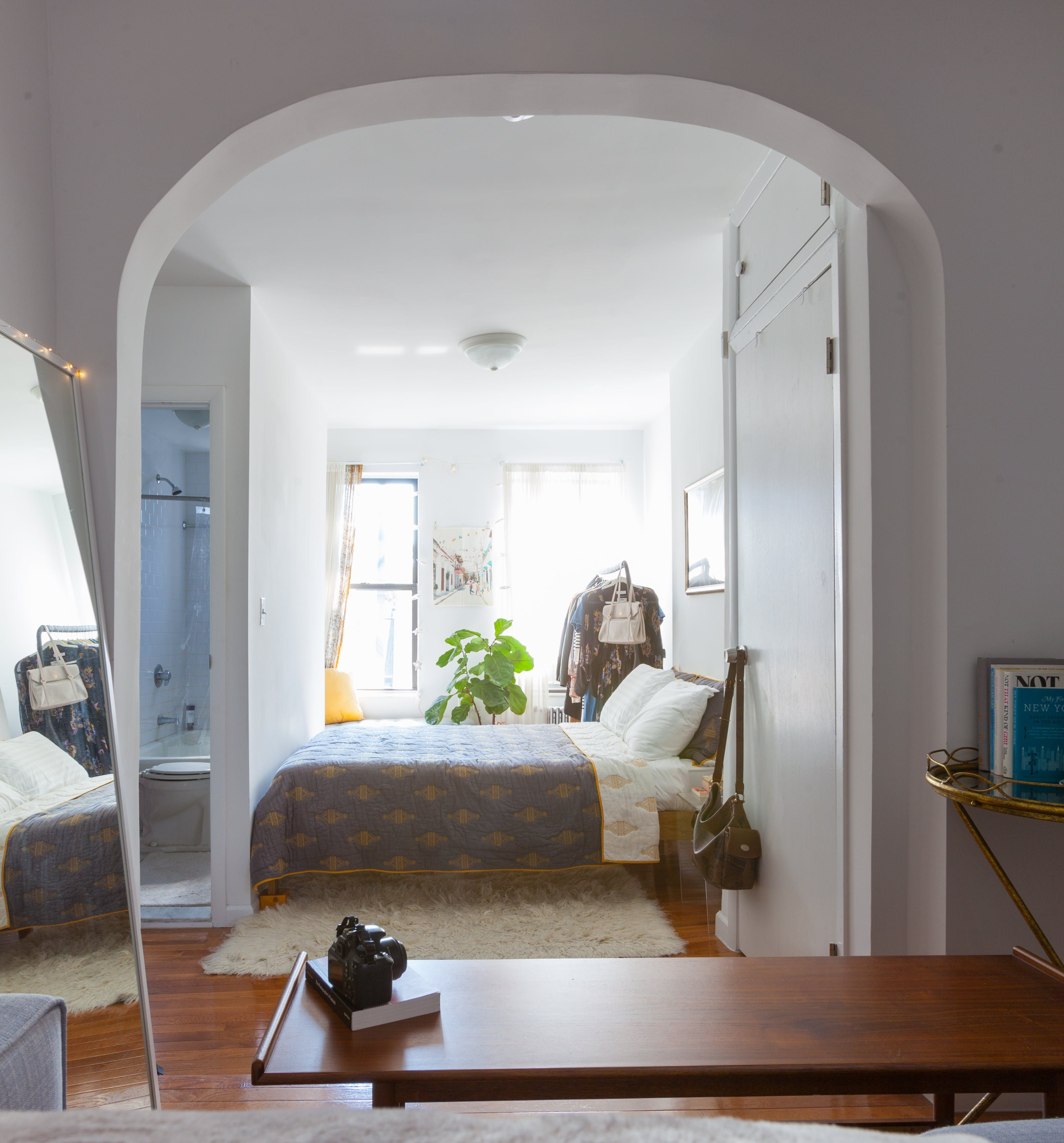 A Tiny 5th Floor Walk Up Studio In The West Village Small Spaces House Studio Apartment
