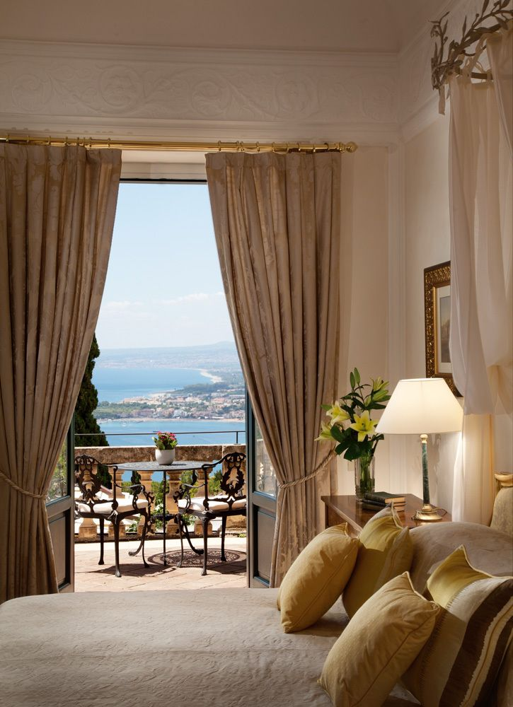 Luxury Hotel Rooms: Luxury Hotel Room, Sicily