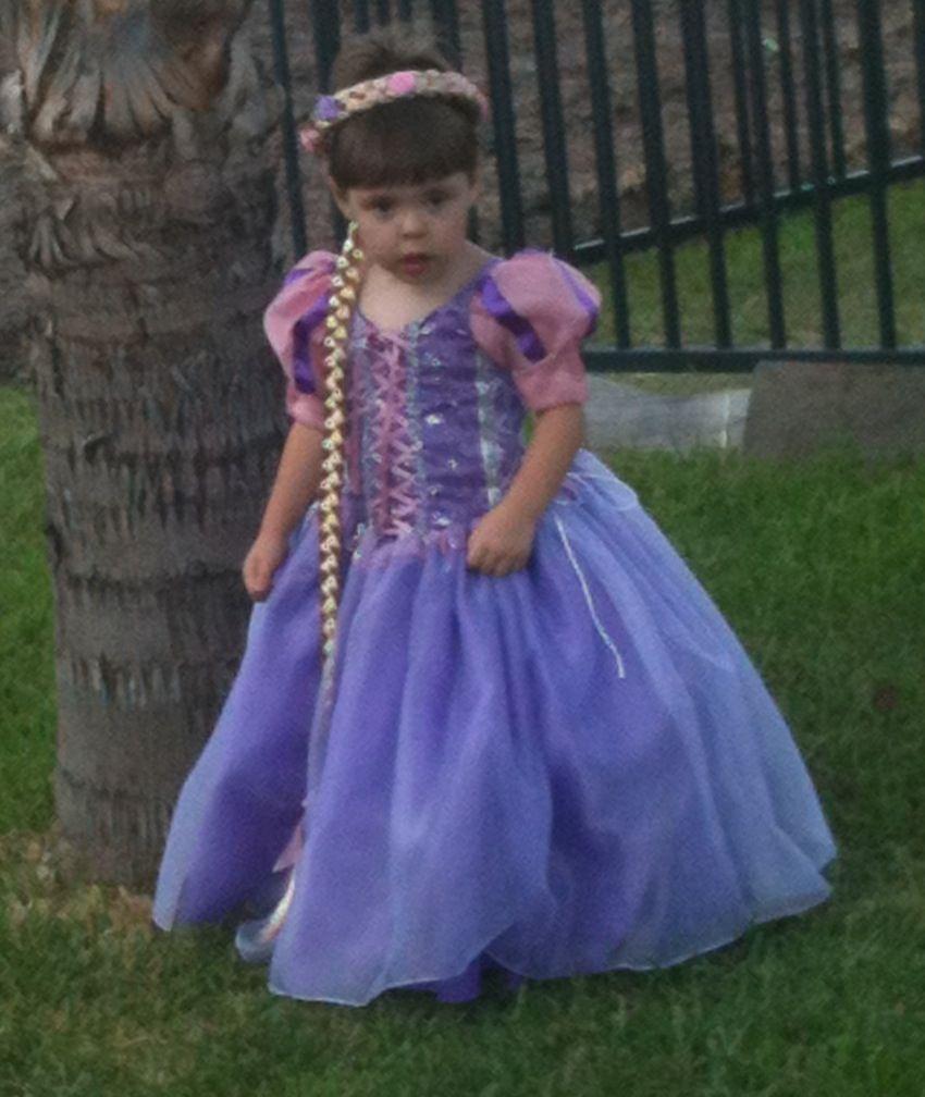 Rapunzel Halloween Costume | Kateleigh Halloween ideas | Pinterest