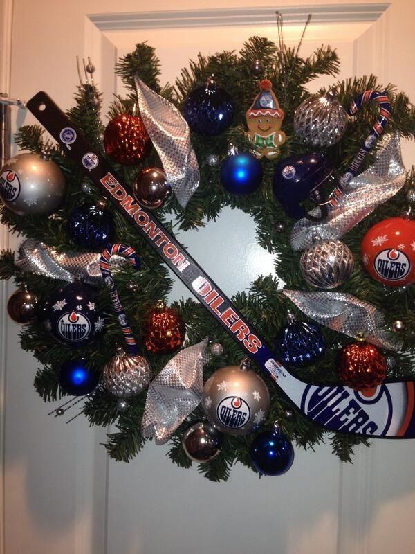 Edmonton Oilers On Twitter Hockey Christmas Hockey Crafts Hockey Decor