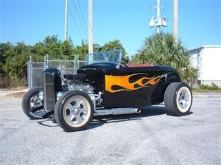 1932 Ford 2-Dr Roadster Street Rod.