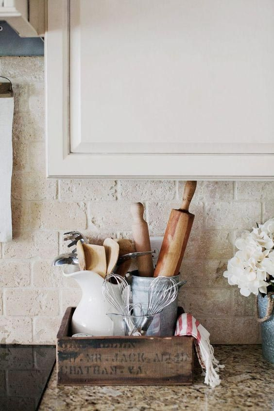 5 Ways to Style an \'Anne with an E\' Inspired Farmhouse Kitchen ...
