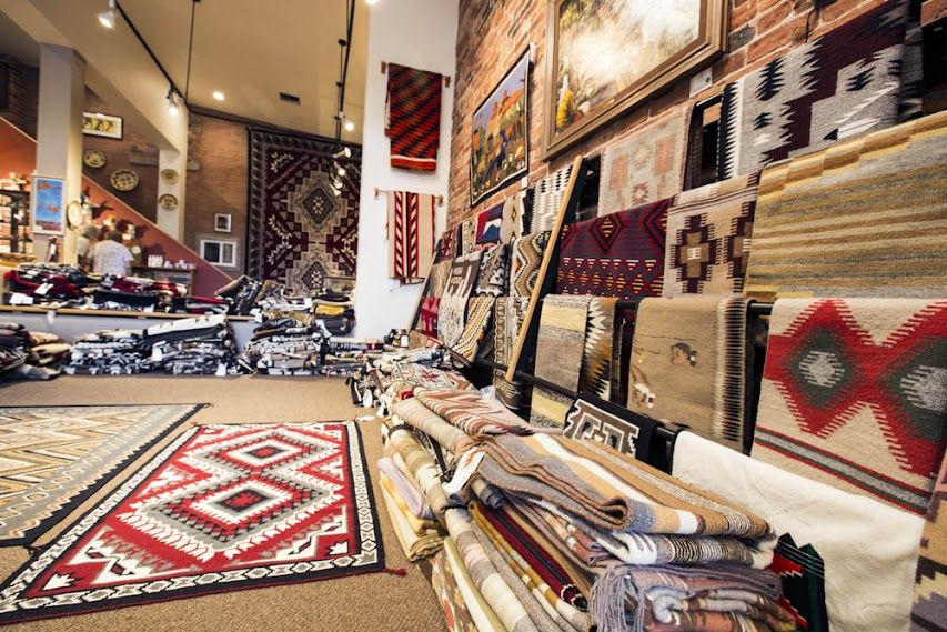 Wow That S Cool Toh Atin Gallery In Durango Colorado Is Considered One Of The Most Respected Native American Art Galleries In The Native American Art Southwest Art American Art