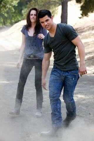 kdo je annie od 90210 datování v reálném životě