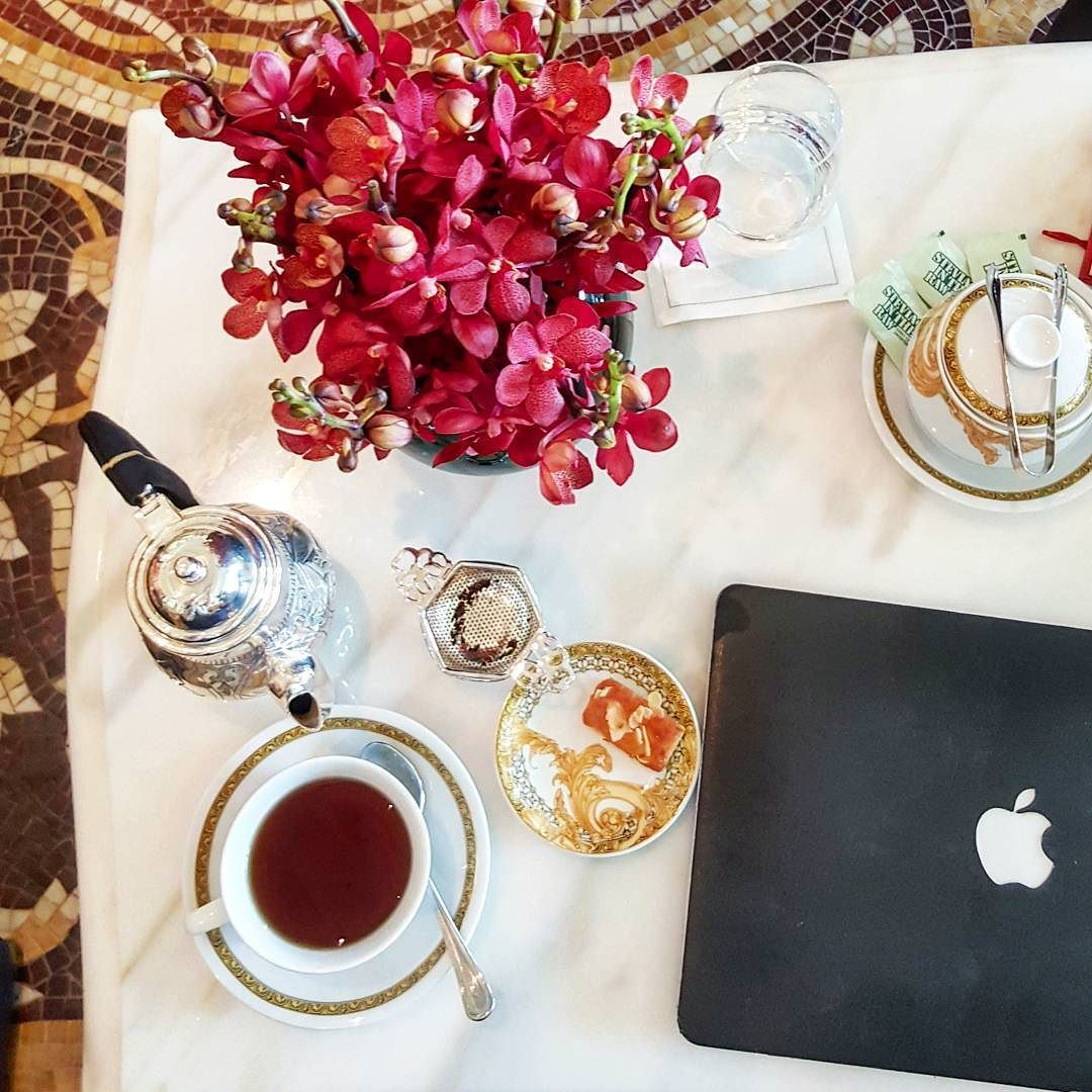 Stunning mosaics fresh flowers and tea (yes tea!) with tasty cakes on the side. Great way to start this week. @palazzoversacedubai