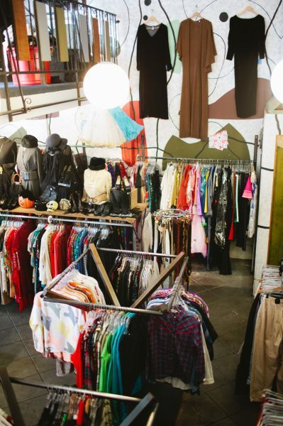 Squaresville 1800 N Vermont Avenue Places To Go Vintage Hunting In Los Angeles Thrifting Thrift Store Los Angeles Shopping