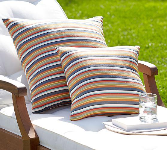 Stunning Diy Outdoor Lighting Ideas That Bring Magic Into The Backyard 2542429531 Gardendecorat Outdoor Pillows Indoor Outdoor Pillows Outdoor Chair Cushions